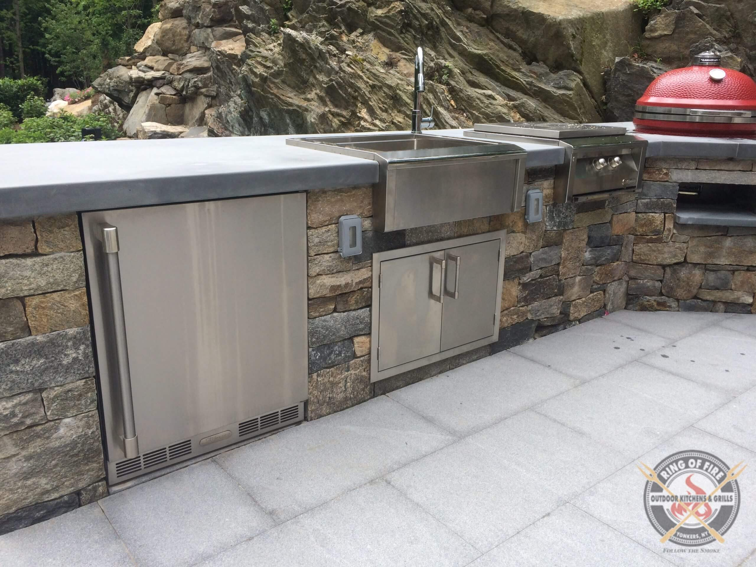 Alfresco Outdoor Kitchen - URS1XE Refrigerator
